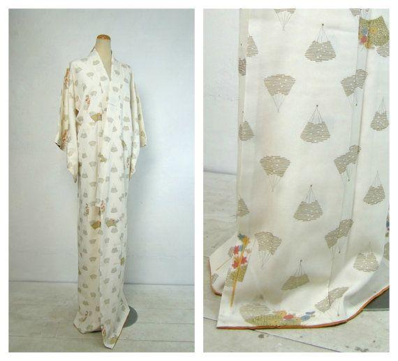 25% OFF Silk Kimono. Vintage Japanese Robe. White by FurugiStar