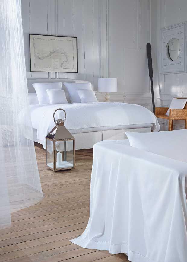 #Vispring #bedden Hedendaags, elegant en eenvoudig… Van speels, karaktervol, stedelijk #modern tot eenvoudig elegant en prachtig poëtisch: de collectie van de Britse luxe #beddenfabrikant #Vispring neemt je mee op een reis naar de mooiste plekken en geeft elk interieur een bijpassende en onvergelijkbare luxe invulling. Meer informatie over #bedden of #vi-spring? http://www.wonenwonen.nl/bedden/vispring-bedden/9872