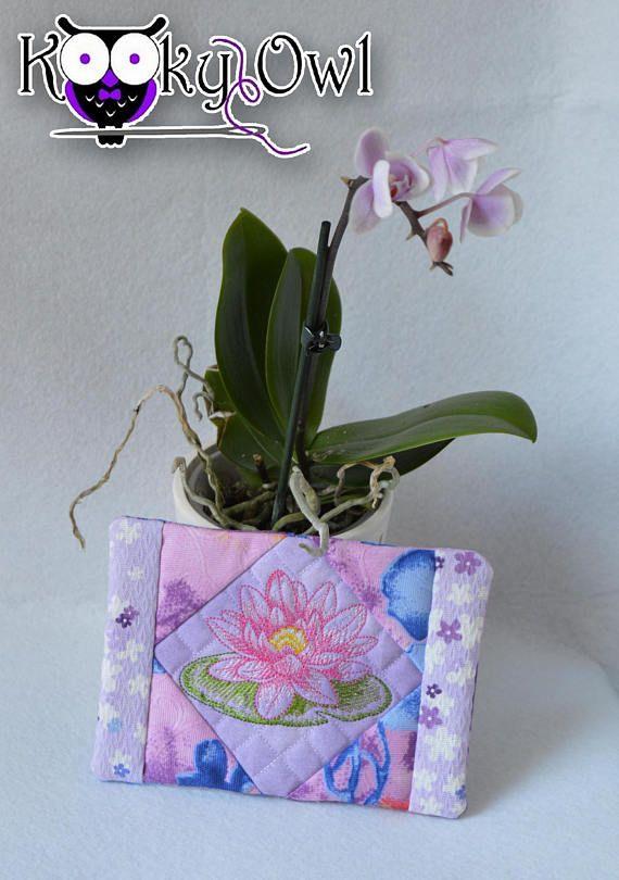 Lotus Mug Rug quilted