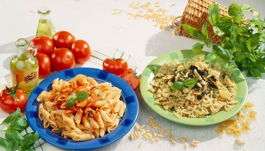 """Italia a Tavola ...  """"Basta cibi esotici, fast food e ristoranti etnici. Oggi le stelle di Hollywood sono affascinate dai prodotti italiani. I divi dello star system preferiscono Mozzarella di bufala (40%) e Parmigiano reggiano (44%) a ostriche e Champagne."""""""