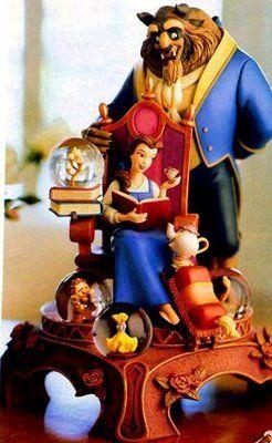 Disney Belle reads figurine Snowglobe