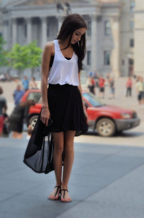 high low skirt: Fashion, High Low Skirts Outfits, Highlow, Black And White, Summer Style, Dresses, Black White, White Outfits, Summer Clothing