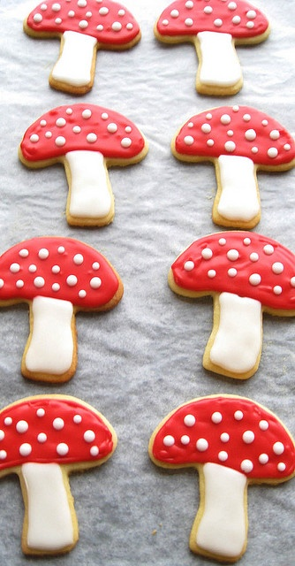 Toadstool Cookies haha should have got these cutters@Emily Murphy Morales