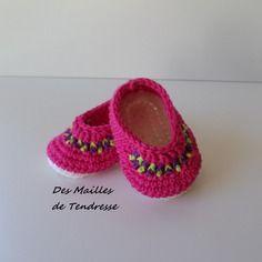 Chaussons bébé fille au crochet en coton rose vif  3/6 mois