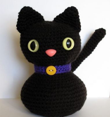 Adorable black cat amigurumi pattern (free crochet pattern) // Aranyos fekete amigurumi cica minta (ingyenes horgolásminta) // Mindy - craft tutorial collection // #crafts #DIY #craftTutorial #tutorial #HalloweenCrafts #Halloween #DIYHalloweenDecor #DIYHalloweenCostumes