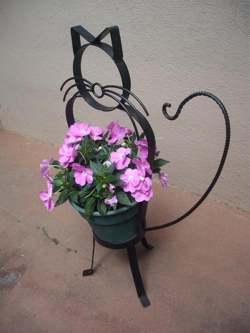 Las 25 mejores ideas sobre porta macetas en pinterest y for Articulos decorativos para jardin