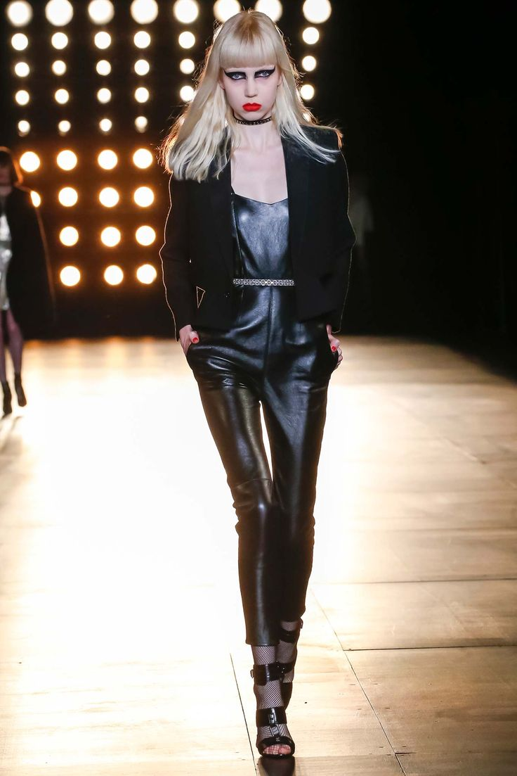 Saint Laurent - Fall 2015 Ready-to-Wear - Look 9 of 60