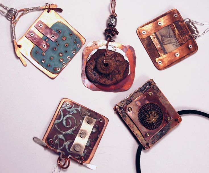 Alternative Surfaces in Jewelry with Mary Hettmansperger Level: All Levels Technique: Metalsmithing, Mixed Materials, Wire Weaving, Wire Work