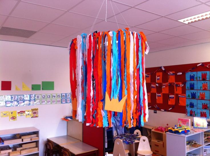 Decoratie in de kring met koninginnedag/koningsdag. Gemaakt door de kinderen! Groep 1/2