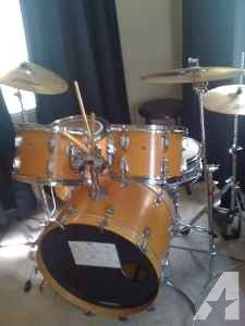 ludwig drums********************** - $600 (anniston)