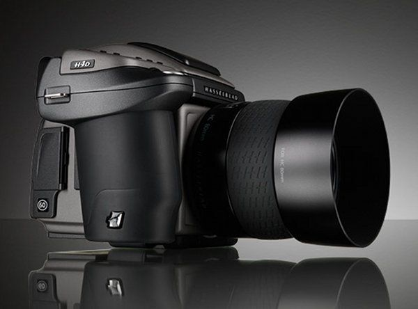 The Hasselblad HD4 Digital Camera boasts 60 megapixels, an expert class lens and more on-board processing than anyone could ever need– all for the slim price of U$D42,500
