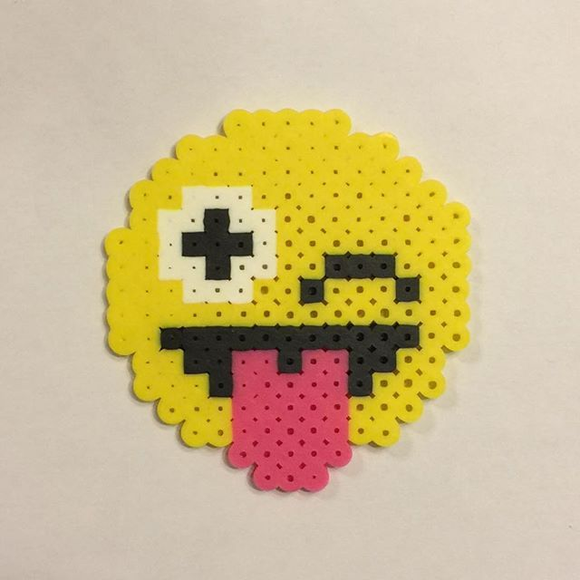 Emoji perler beads by invisible carrott perler pinterest - Smiley perle a repasser ...