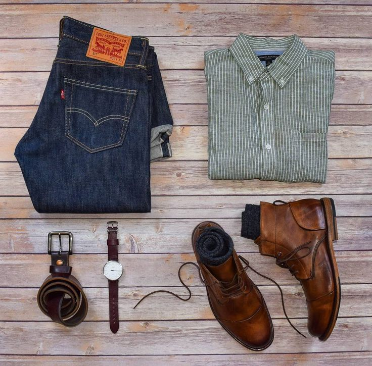 Nothing like some fresh boots to kick off the week Boots: @sutrofootwear Jeans…