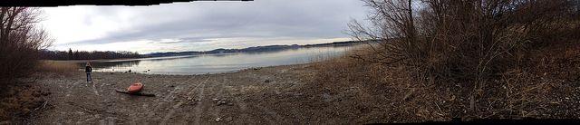 #Panorama #Bucht #Herreninsel im #Chiemsee - #Fotos geschossen auf #Herrenchiemsee - als Panoramaaufnahmen. Eine #Wanderung um die gesamte #Insel , ca. 13 Kilometer mit einsamen #Buchten und einzigartigen Eindrücken der #Natur mit wunderschönen #Ausblicken auf die #Berge - #Bergpanorama - #bavaria #bayern #lake #natur #nature #landscape #travel #chiemgau #island