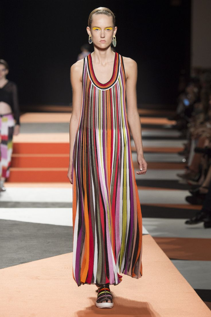 Missoni Spring 2016 Ready-to-Wear Fashion Show - Marjan Jonkman