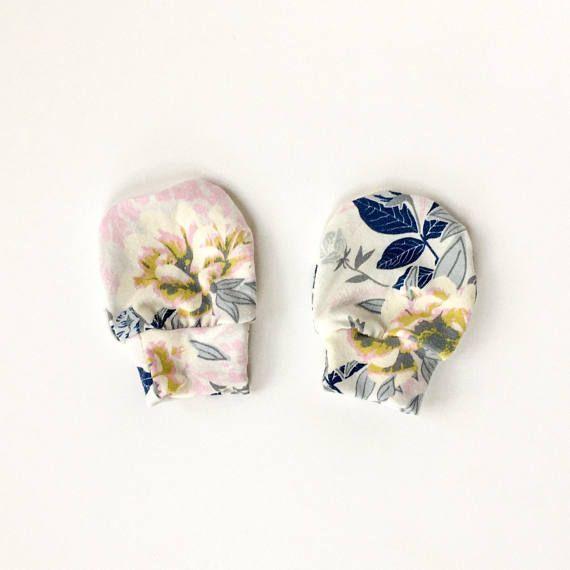 Baby Girl Scratch Mitts Newborn Scratch Mitts // Newborn / baby shower gift / registry / Hospital bag / baby floral mittens