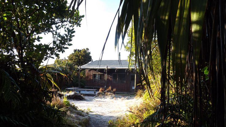 https://flic.kr/p/LF337G | Waingongoro Hut First Sight | Mount Taranaki