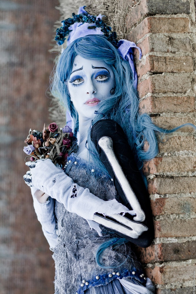 Corpse Bride Makeup - love the arm warmers