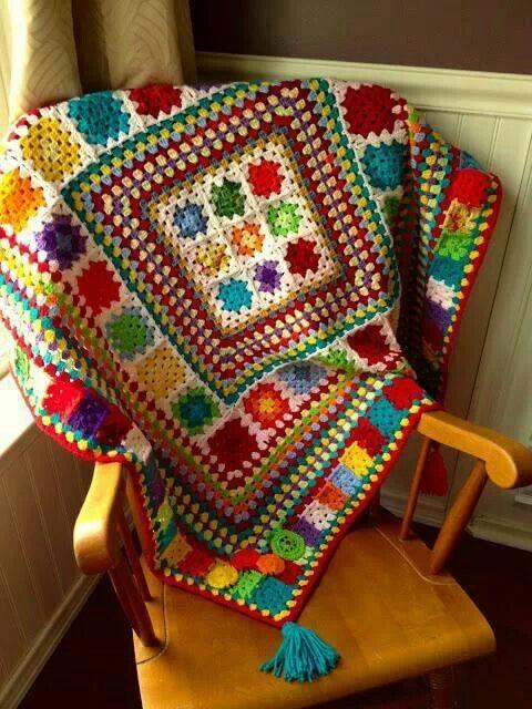 Manta con los cuadrados de la abuela - granny square blanquet