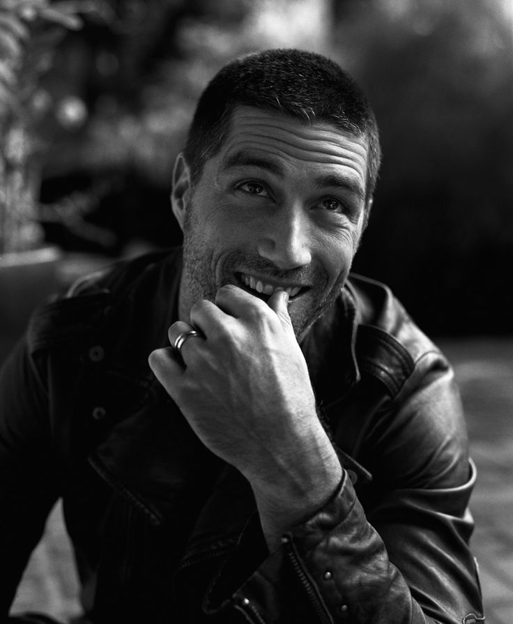 Watching Lost, falling in love with Jack/Matthew Fox for the millionth time.