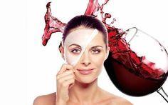 Conoscete le proprietà benefiche offerte dal buon vino rosso? Il vino rosso anticamente chiamato il Nettare degli Dei, oltre ad essere apprezzato per la sua bontà, risulta essere anche un ottimo rimedio naturale per la bellezza della pelle perchè ogni singolo acino di uva è ricchissimo di componenti che si prendono cura della nostra bellezza.  Il