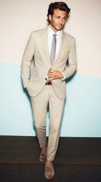 Macho Moda - Blog de Moda Masculina: Dicas de Looks Masculinos para Casamentos durante o Dia. Costume Claro, Terno Claro para Casamento, Terno Bege, Costume Bege, Sapato Marrom, Terno Moderno. roupa de homem casamento