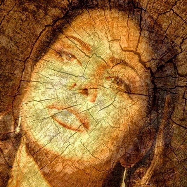 Le rughe mostrano che si è vecchi o che si è abituati a sorridere sempre, anche di fronte ai problemi!  #adhocband #enjoy #live #music #rock #rughe #vecchi #sorrideresempre #pensierimattutini #amici #Padova #Venezia #Vicenza #Treviso #Verona