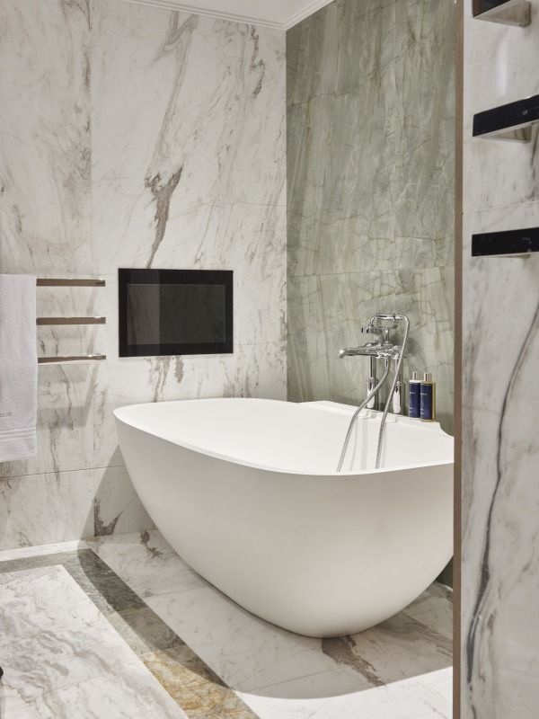 Pin On Luxury Bathtubs For Two