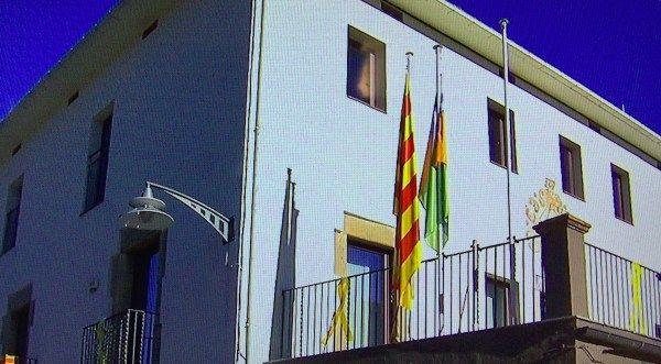 La relliscada que ha impedit a lEstat penjar la bandera espanyola a lAjuntament de les Preses