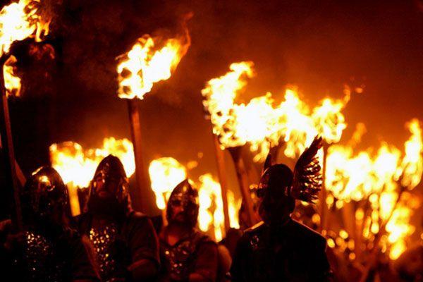 В мире существует так много праздников, что их число даже невозможно подсчитать. Большинство из них имеют еще языческие корни. Однако есть и такие праздники, которые появились относительно недавно. Это, к примеру, фестивали фейерверков, которые ввиду своей популярности имеют все шансы сохраниться надолго. Ведь огненные праздники довольно эффектные, а праздничная атмосфера там сохраняется не... http://www.molomo.ru/inquiry/festival_fire.html #Самыеизвестныепраздникиогня