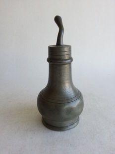 I.H. Bours - antiek tinnen zuigflesje - Venlo, Nederland - ca. 1800