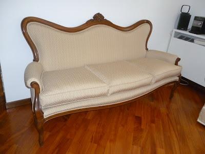 Rifacimento divano in stile: risultato finale - Tino Mariani http://www.tinomariani.it/servizi.html