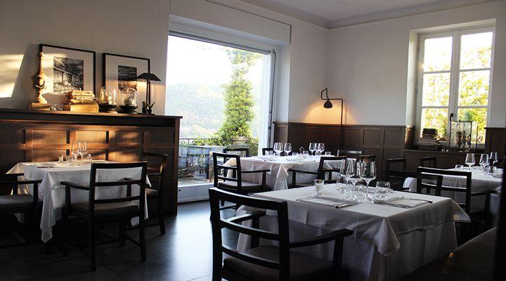 Convivialità, cibo genuino e una vista esclusiva sul Lago di Como… Questi gli ingredienti di Casa Santo Stefano, piccolo ristorante..