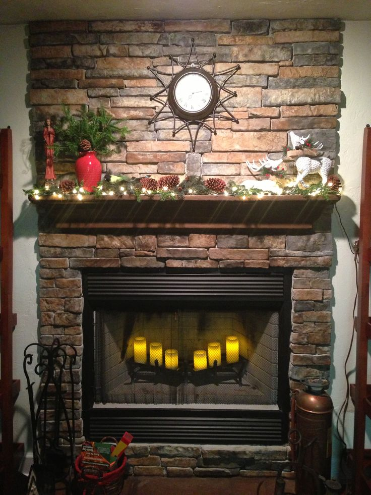 The fireplace mantle