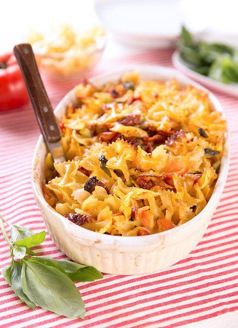 Lehká verze s rajčaty a mozzarelou potěší i vegetariány; Mona Martinů