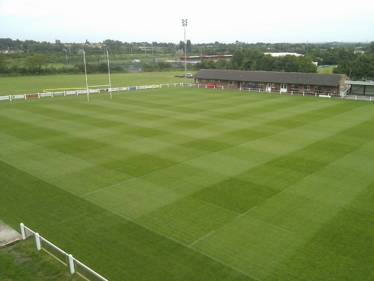 The first XV at Hinckley Rugby Football Club are enjoying playing in the National 3 Midlands League on their brand new pitch this season thanks to the capabilities and know-how of Ian Reid who runs MatchFit Sports Turf.