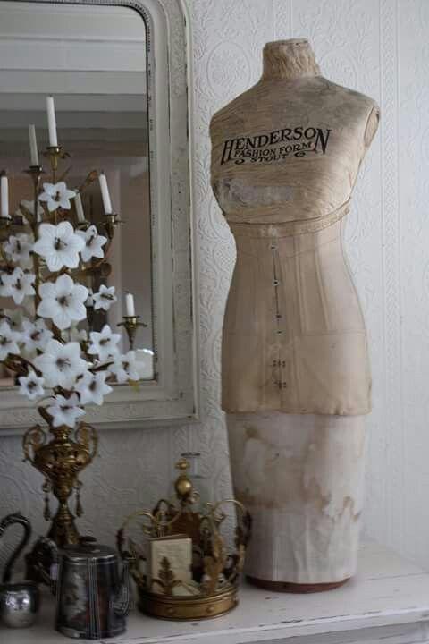 les 602 meilleures images du tableau ancien mannequins de loulou sur pinterest formes de robe. Black Bedroom Furniture Sets. Home Design Ideas