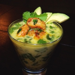 Spinach Soup with Shrimp and Avocado