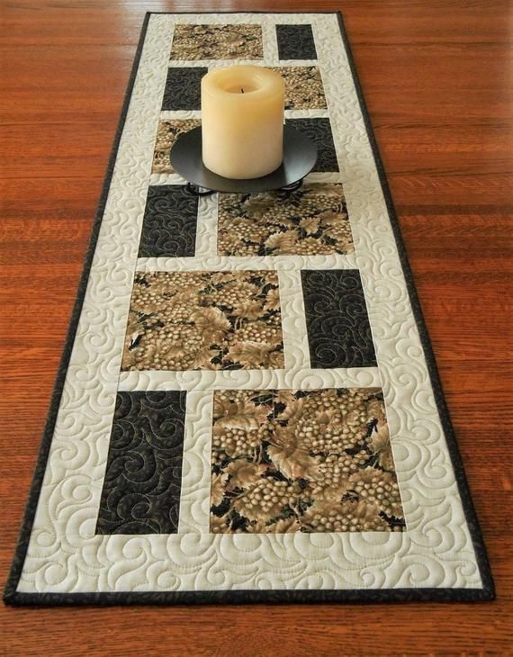 Black And Taupe Modern Quilted Table Runner With Grapes And Leaves Wine Tasting Party Decor Modern Home Table Decor Wine Lover Gift Quilt Tischlaufer Tischlaufer Modern Tischlaufer