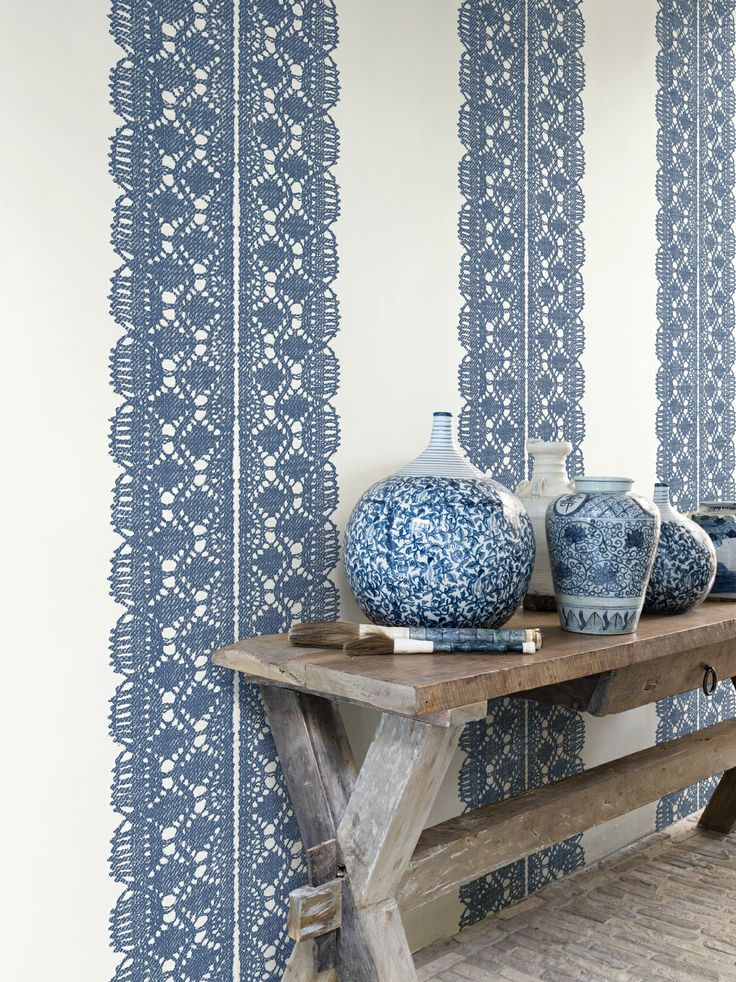 www.decohomebos.nl Behang kant blauw wit Essentially Yours - BN Wallcoverings