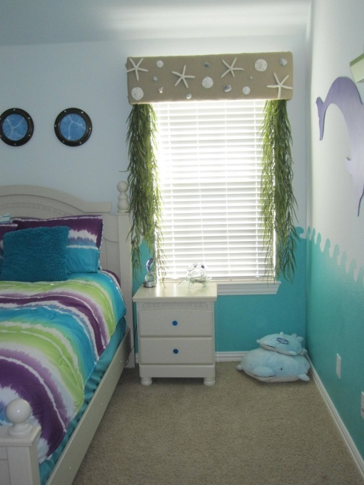 How my 6-yr-old wants her room. | Dolphin bedroom, Bedroom ...