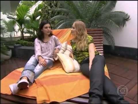 Aline Barros no Programa Estrelas [Portal AB].Entrevista I Debora Maria. Você curte Aline Barros. 1- MUITO..2-  SÓ UM POUCO.