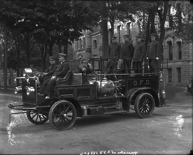 Apparatus of O.F.D. [Ottawa Fire Department] Ottawa, Ontario, August, 1914. (Canada Archives)