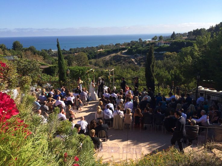 Your Wedding deserves special attention. The staff and management at Malibu Villa Skyletta take pride in delivering outstanding service for weddings of all sizes. Our dedication and professionalism ensure your wedding day will be filled with pure memories.