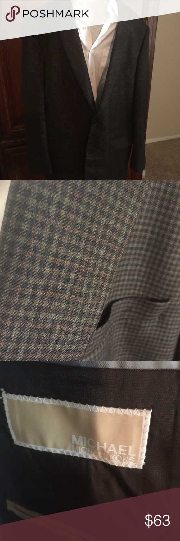 Michael Michael Kors 100% wool blazer big/tall Excellent t condition, just needs a light ironing. Big mans jacket. 50long. Arms 22 inches .inseam of arms 17 inches. Fit XL-XXL MICHAEL Michael Kors Suits & Blazers Sport Coats & Blazers