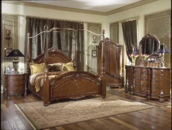 28 best Antique bedrooms images on Pinterest Antique bedrooms
