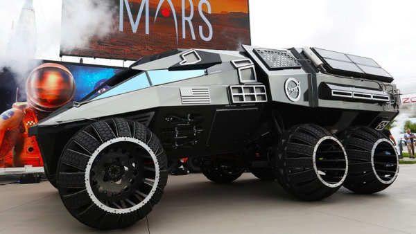 Todos sabemos que Marte se ha convertido en el gran objetivo de la NASA para las misiones de exploración más importantes de los próximos años. Para sacar adelante esas misiones harán falta una serie de medios básicos en los que ya se está trabajando, y este prototipo conocido comoMars RoverConcept Vehicle es uno de los más interesantes.Aunque ya fue anunciado hace cosa de un mes hoy hemos podido conocerlo a...
