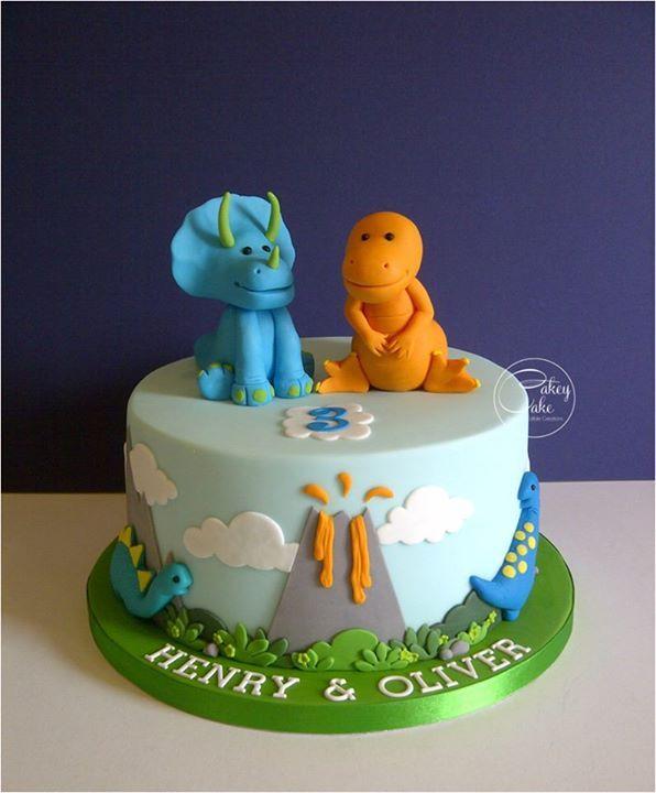 Adorable idea de pastel de dinosaurio para los más pequeños #dinosaurios #pastel #torta #fiesta #cumpleaños