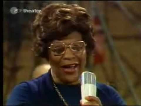 Use this on 4th and 5th grade Jazz lesson Ella Fitzgerald - It Don't Mean a thing (If it ain't got that swing) [1974]
