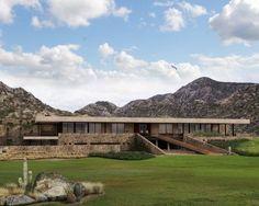 Club House en Mendoza Norte Country Club :: Valeria Valdivieso | Arquitecta